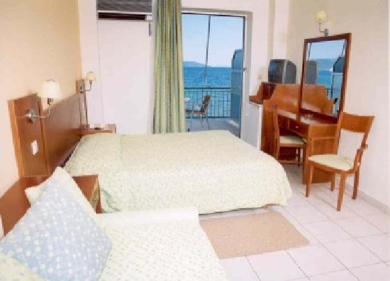 Artemis Hotel : Room