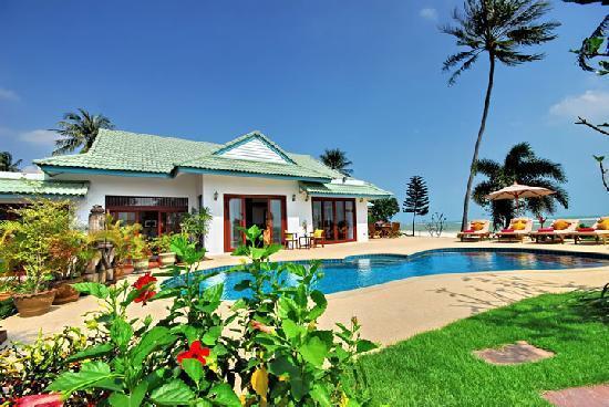 Shiva Samui: Baan Chaai Haat 4 bedroom beachfront villa