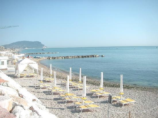 Porto Recanati, Italien: Spiaggia con balneare