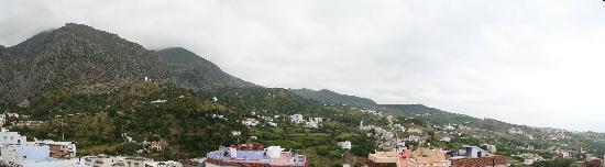 Dar Zman: Panorama des montagnes depuis la terrasse