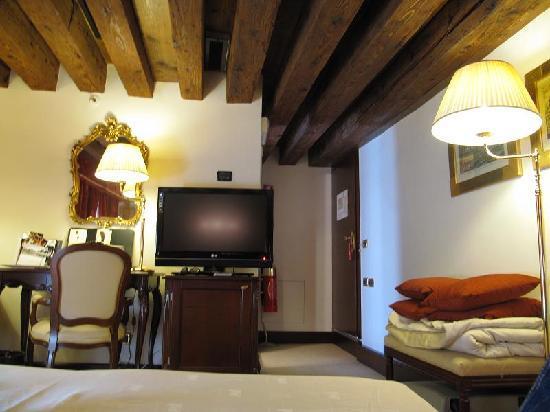 Ruzzini Palace Hotel: Otra vista de la habitación 407