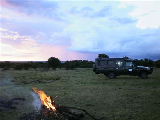 Ngerende Island Lodge: Sundowners in the bush