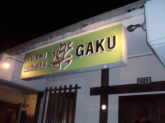 Sushi Izakaya Gaku : S.KING ST沿い。お店の看板です