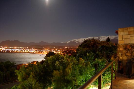 18 On Kloof B&B: Night views from balcony
