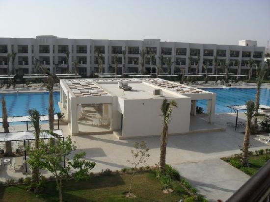 Jaz Crystal Resort: pool ad pool bar