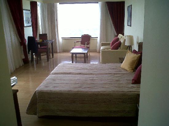 Yellow Praia Monte Gordo : habitación 1506_0