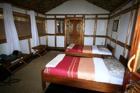 Uganda: Nkuringo Gorilla Campsite ensuite cabin