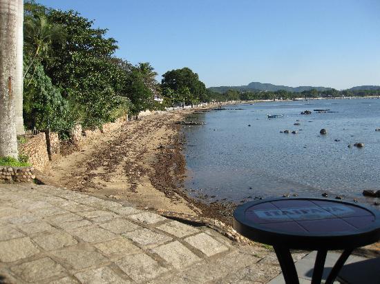 Martin Pescador: Beach in front of hotel