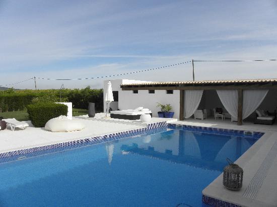 Vilacampina Guesthouse : The pool area