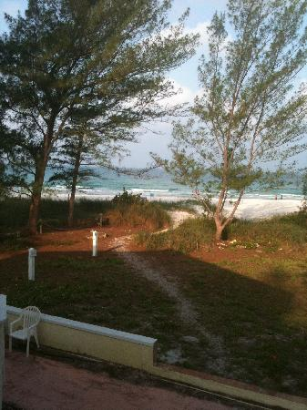 Anna Maria Island Beach Resort: View from back of hotel