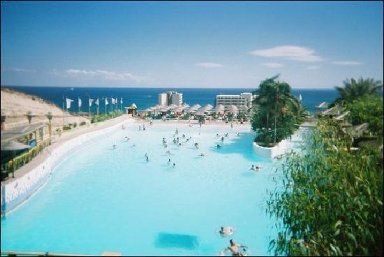 Water Park: wave pool. (rave Pool)haha