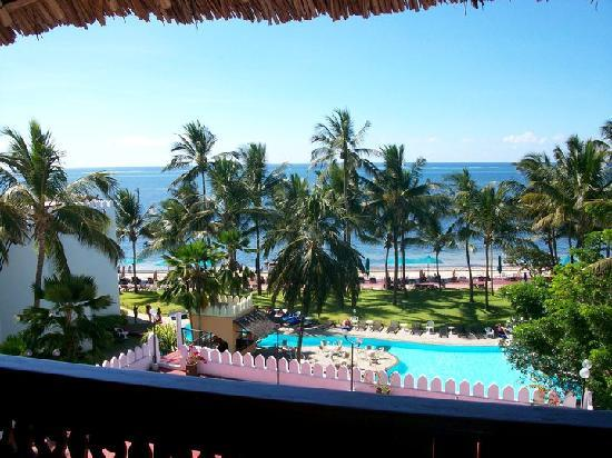 Bamburi Beach Hotel: VIEW FROM OUR ROOM