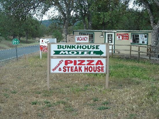 Bunk House: cartello
