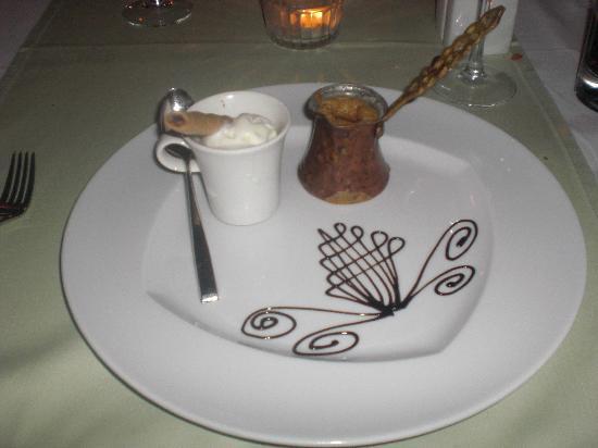 Susesi Luxury Resort: Italian - dessert coffee cake