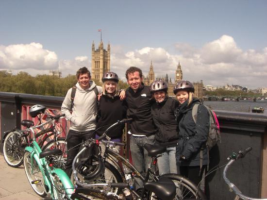 Revolution Tours: Lambeth Bridge
