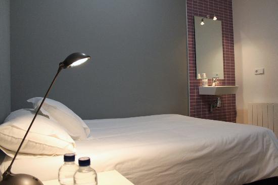 Hostal NITZS BCN: Habitación Doble - Double Room