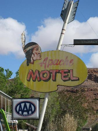 Apache Motel: The Apache sign