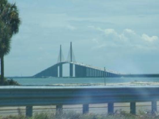 Sunshine Skyway Bridge : Approaching the Skyway