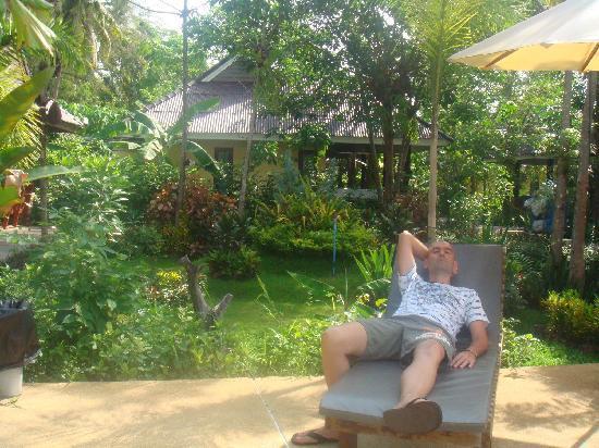 Sunda Resort: en la piscina