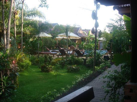 Sunda Resort: piscina 2