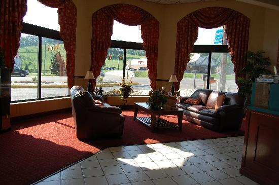 Days Inn Apple Valley Sevierville: the Lobby