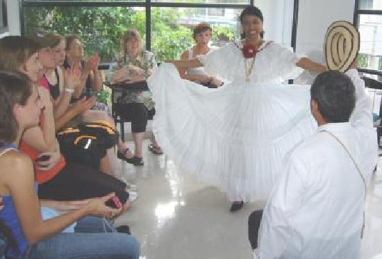 The Spanish Panama School - Day Classes: SpanishPanama has free culture shows