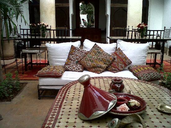 Riad Petit Karmela: Traditional and stylish!