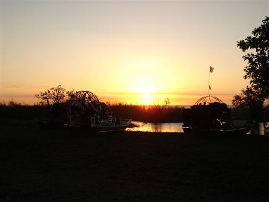 Torry Island Campground & Marnia: Sunset on Kraemer Is w/ Airboats
