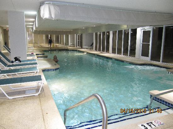 Hampton Inn & Suites Myrtle Beach/Oceanfront: indoor pool