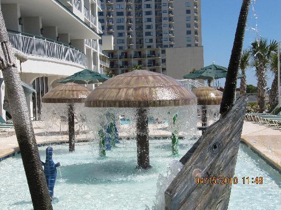 Hampton Inn & Suites Myrtle Beach/Oceanfront : kids pool