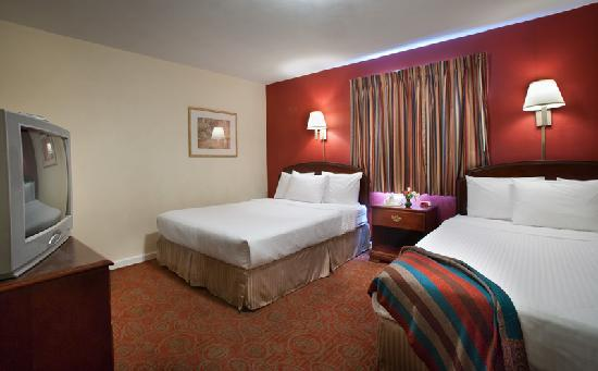 Luxbury Inn & Suites: 2 Queen One bed room suites