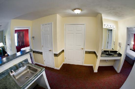 Luxbury Inn & Suites: 2 Bed Room Suites