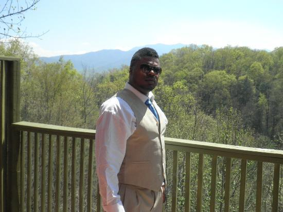 Honeymoon Hills Gatlinburg Cabin Rentals: my hubby right before the ceremony