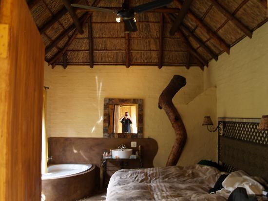 African Silhouette Guesthouse: My bedroom for the duration.