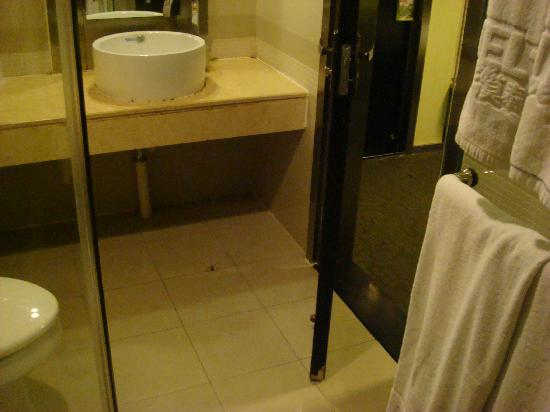 Motel 168 (Guangzhou Luoxi Bridge) : Room 6112
