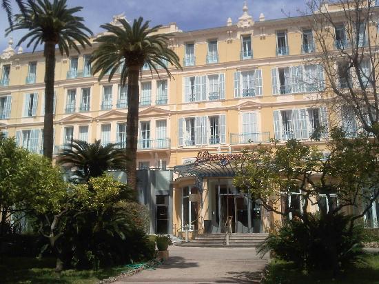 Hotel club Vacanciel Menton: La façade de l'hôtel