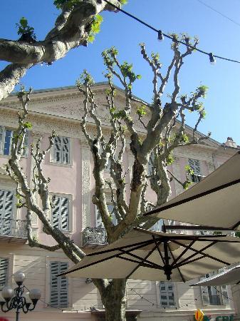 Club Découverte Vacanciel Menton : A la terrasse d'un café
