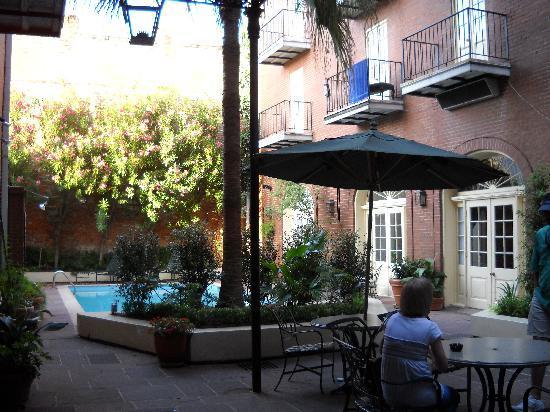 Hotel St. Marie: Hotel Courtyard
