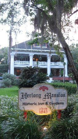 Herlong Mansion Bed and Breakfast Inn: Herlong Mansion front
