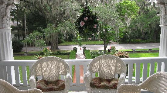 Herlong Mansion Bed and Breakfast Inn: Veranda view