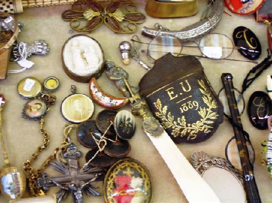 Mercatino dell'Antiquariato Campo San Maurizio: Mercatino dell'antiquariato di campo San Maurizio Venezia.oggetti da collezione