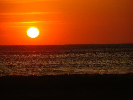 Nosara Beach (Playa Guiones): Sunset in Nosara