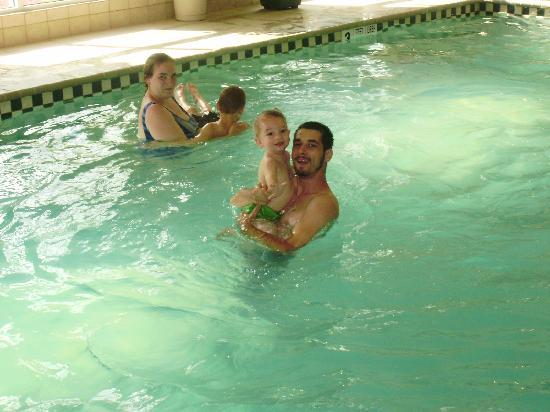 Country Inn & Suites by Radisson, Lake George (Queensbury), NY: enjoying the nice relaxing pool