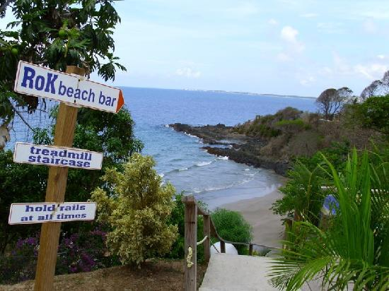 Bacolet Beach Club: Stairs to the beach