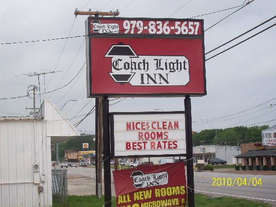 Coach Light Inn Brenham: Front Sign