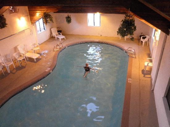 Super 8 Gallup: Heated, indoor pool