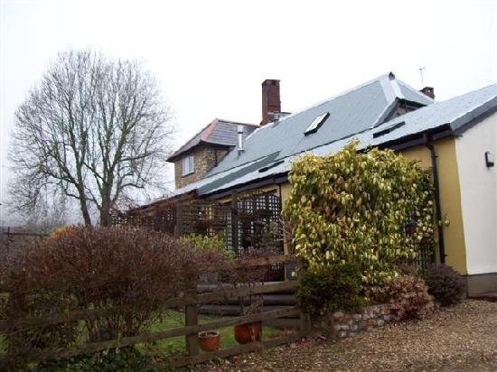 West Colwell Farm: Side shot of B&B