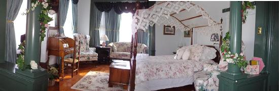 Alden House Bed and Breakfast: The Parlour Suite