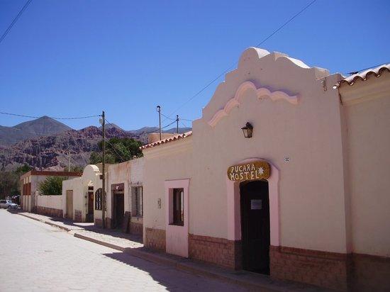 Burrito Hostel: Frente del hostel
