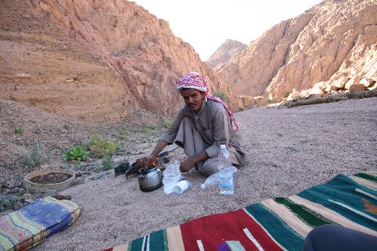 Dive Urge: Bedouin Tea Anyone?